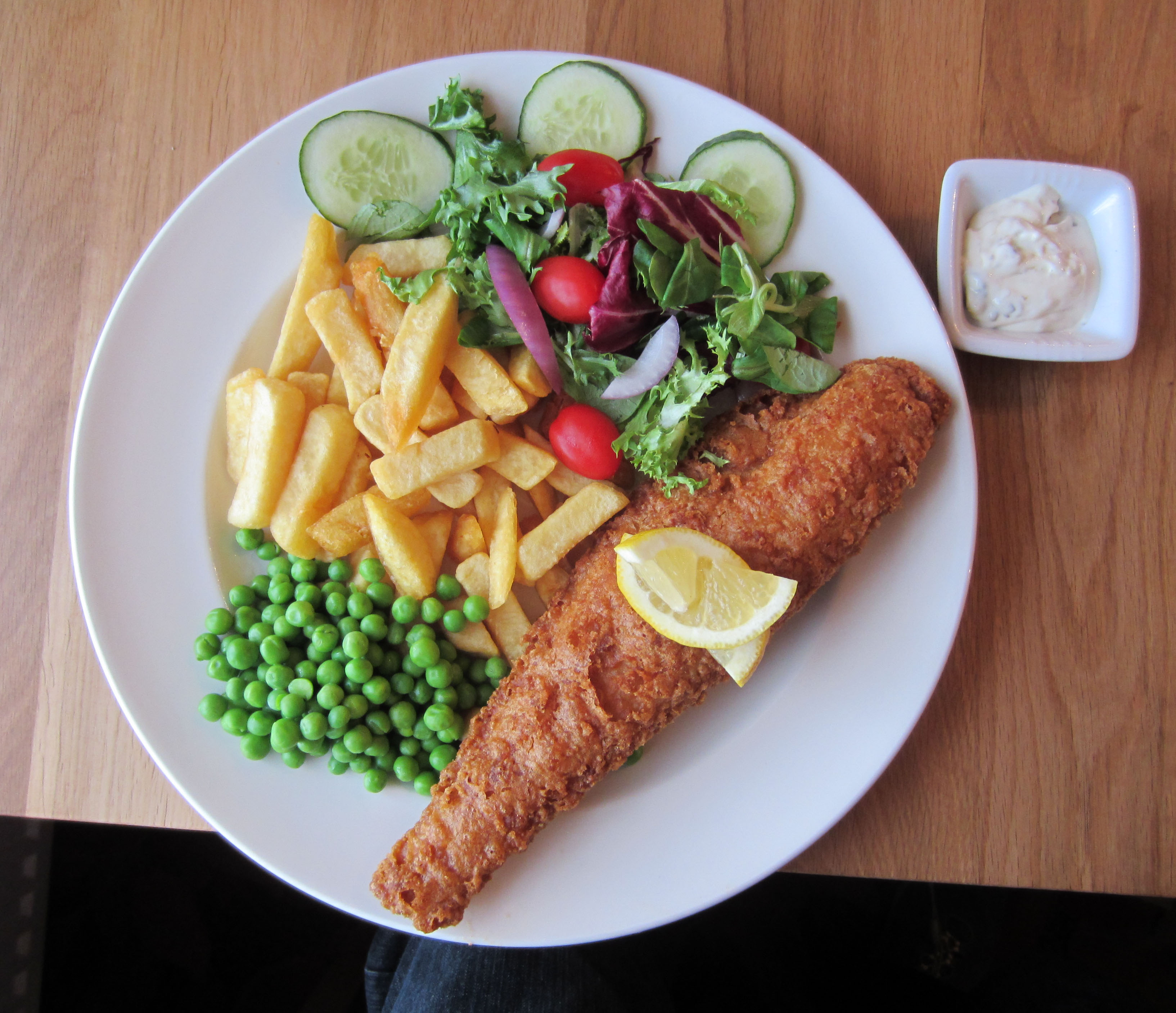 A walker s review of english fish and chips walk ten for Fish and salad
