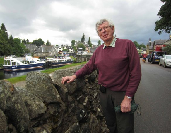 Boats queue to enter the locks behind me at Fort Augustus. At 7.00 pm the temperature has fallen to around ten degrees. Ah... summer in Scotland.