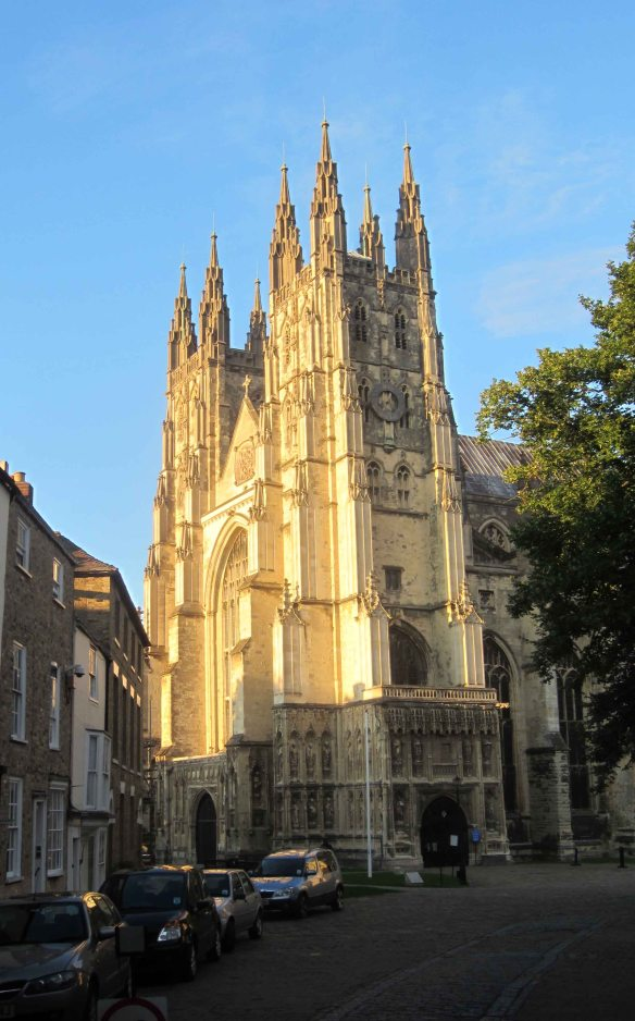 ... and fifteen minutes later, Canterbury Cathedral bathed in sunshine against a blue sky. A miracle, just for us.