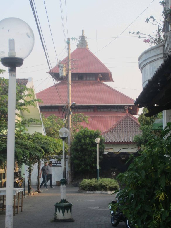 Jogjakart'as old mosque rises above tghe alleys of the Muslim Kauman neighbourhood
