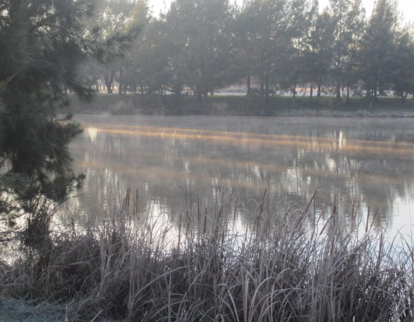 Tuggeranong_Ice_Age_sunlight_on_lake
