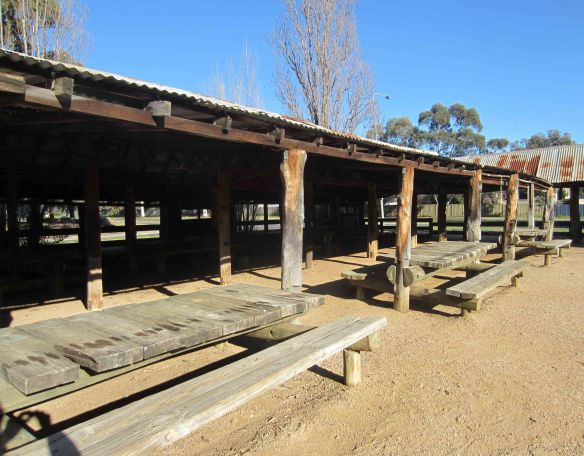 Two_bananas_woolshed