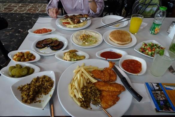 2Jesus_Arab_lunch_near_Turan